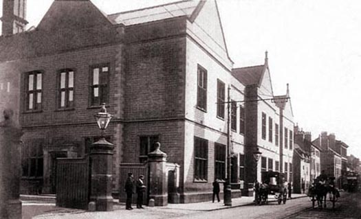 bass-brewery-1904-525px-courtesy-burton-on-trent-org-uk